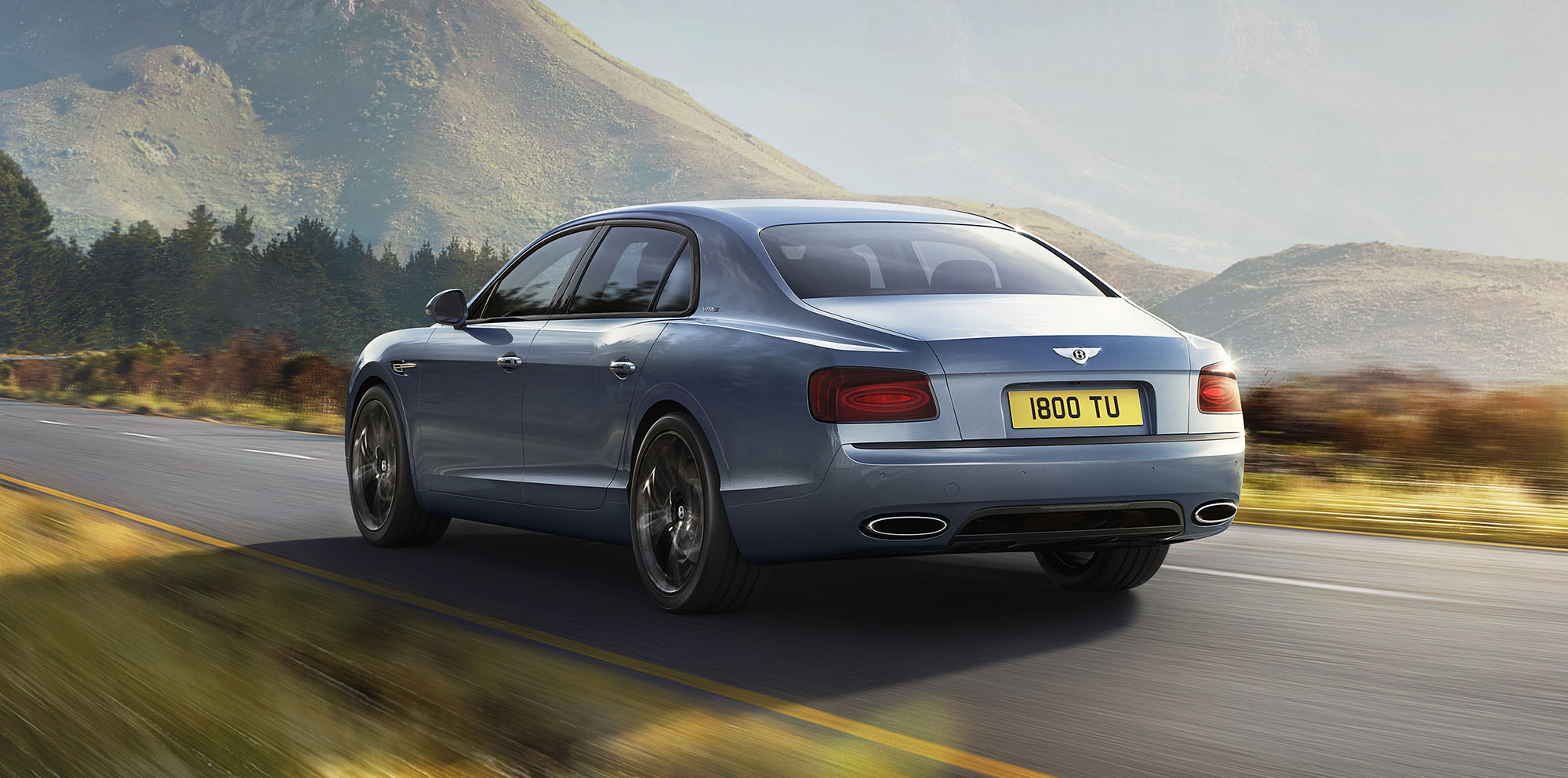 2017 bentley flying spur w12 s revealed ahead of paris debut photos 1 of 5. Black Bedroom Furniture Sets. Home Design Ideas