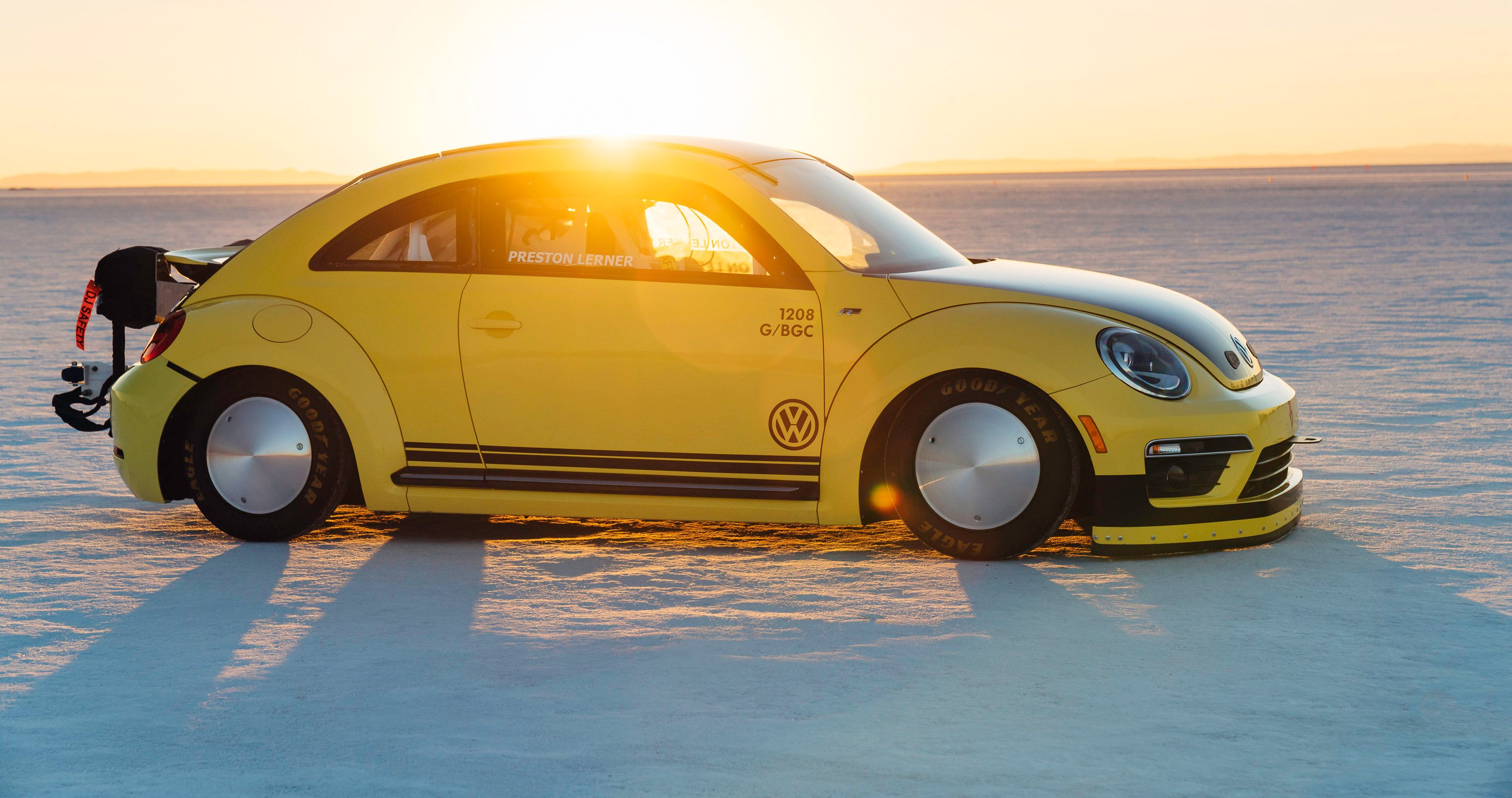 Volkswagen Beetle hits 330km/h at Bonneville Salt Flats: Will the real Bumblebee please stand up ...