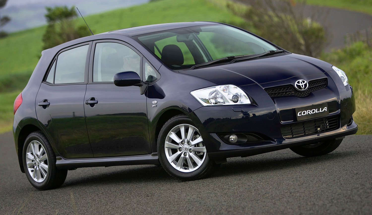 toyota corolla yaris avensis verso added to takata airbag recall 179 000 vehicles affected. Black Bedroom Furniture Sets. Home Design Ideas