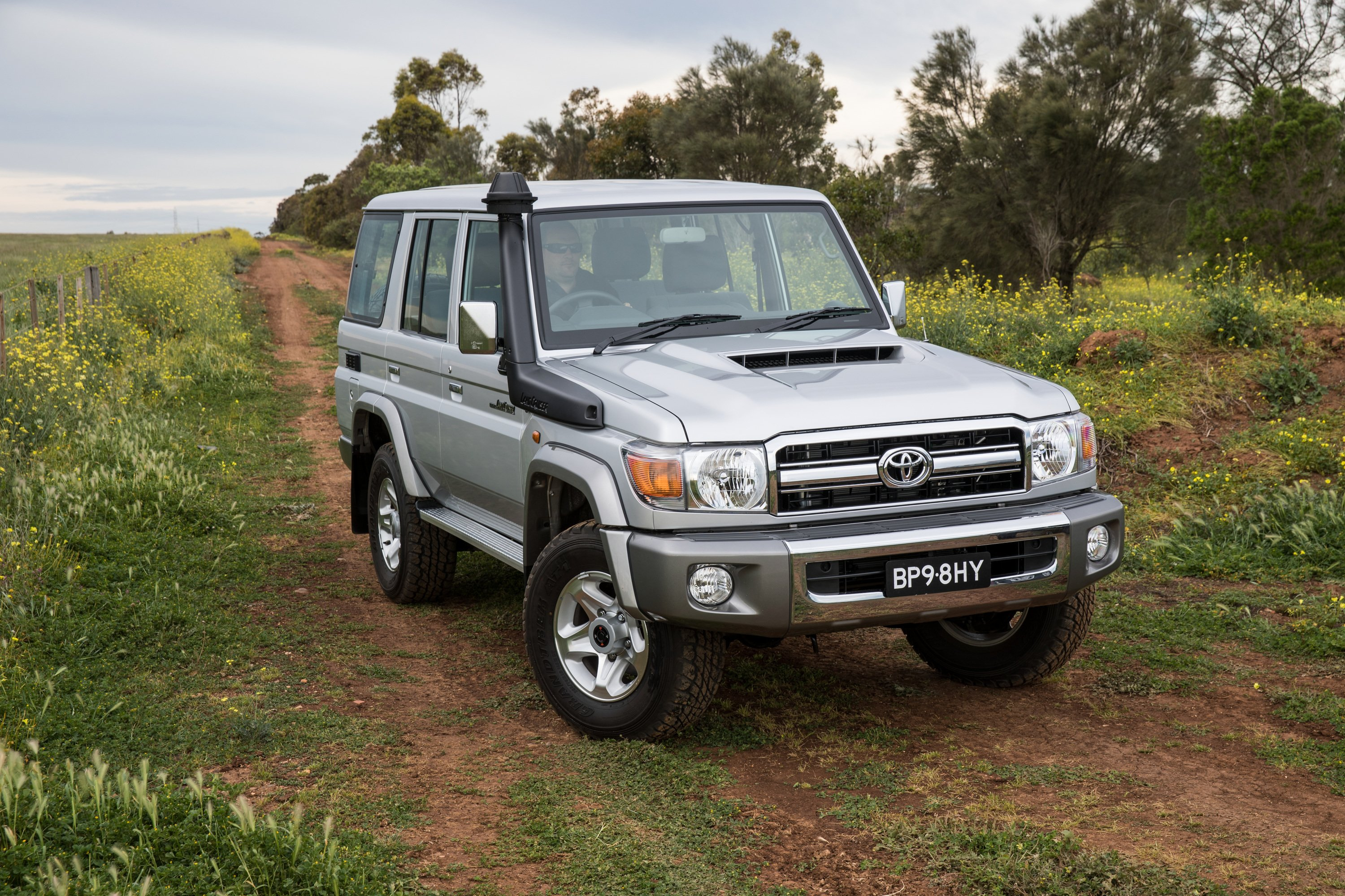 Toyota Land Cruiser 70 >> 2017 Toyota LandCruiser 70 Series Review - photos | CarAdvice