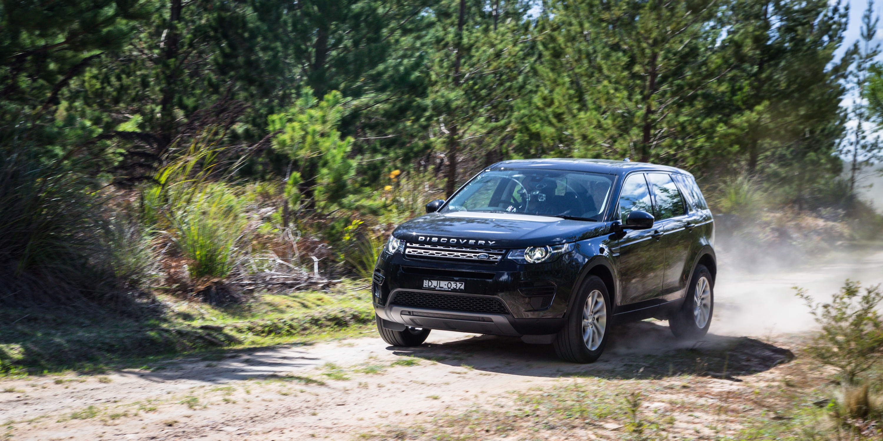2017 land rover discovery sport td4 150 se review. Black Bedroom Furniture Sets. Home Design Ideas