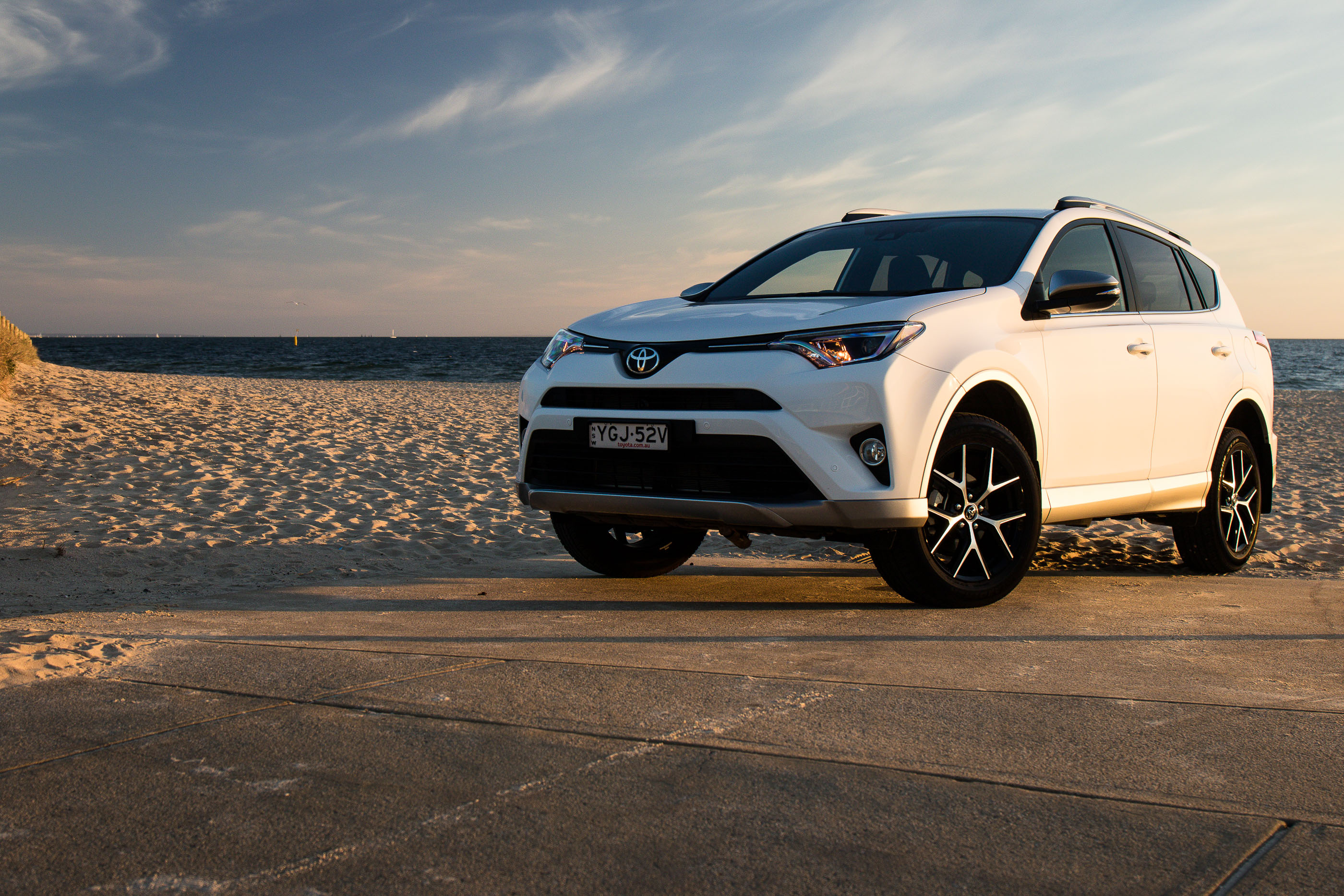2017 toyota rav4 gxl review long term report one photos caradvice. Black Bedroom Furniture Sets. Home Design Ideas