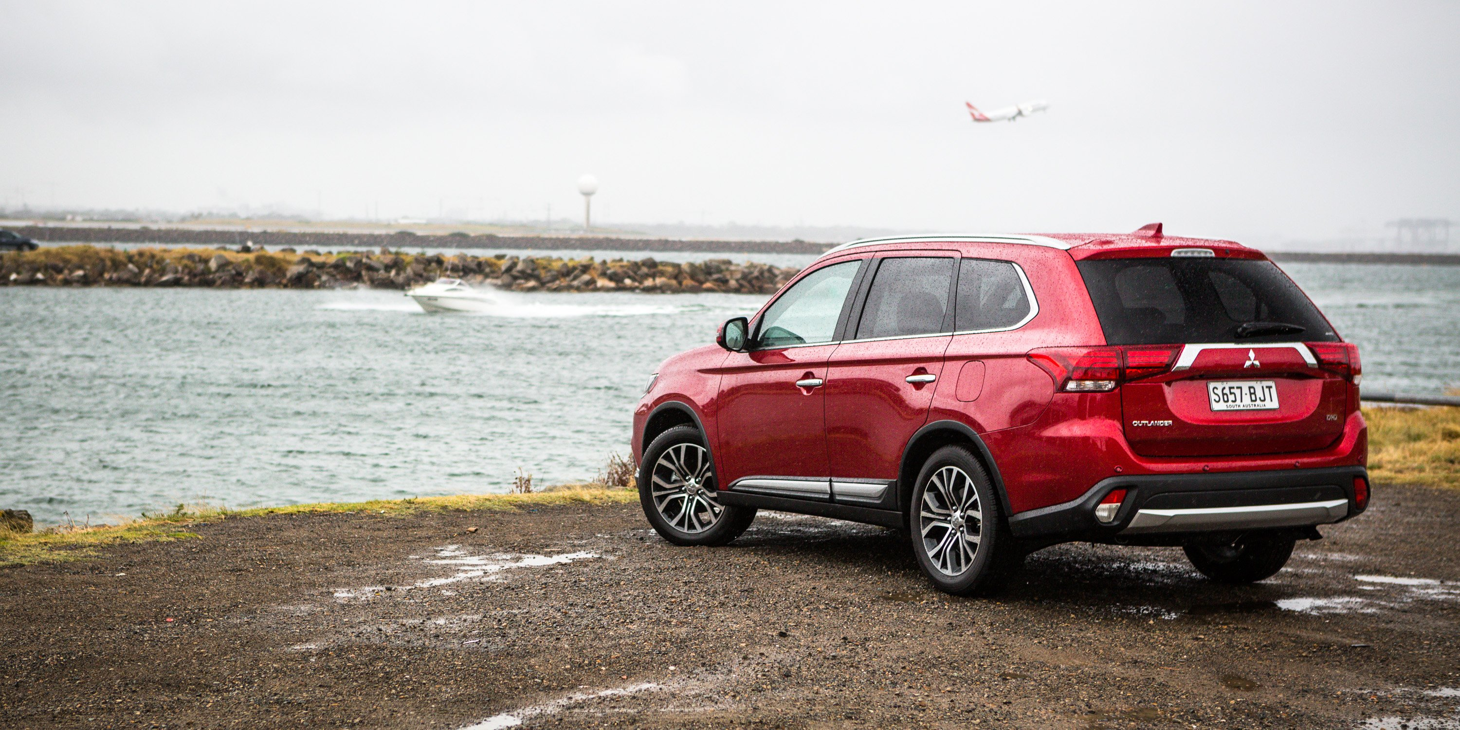 2017 mitsubishi outlander exceed awd diesel review caradvice. Black Bedroom Furniture Sets. Home Design Ideas