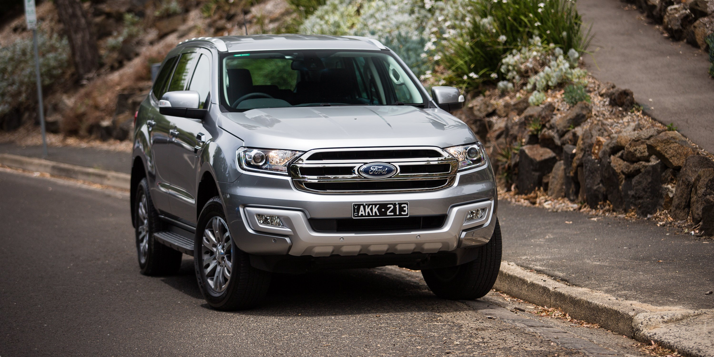 2017 Ford Everest Trend RWD review - photos | CarAdvice