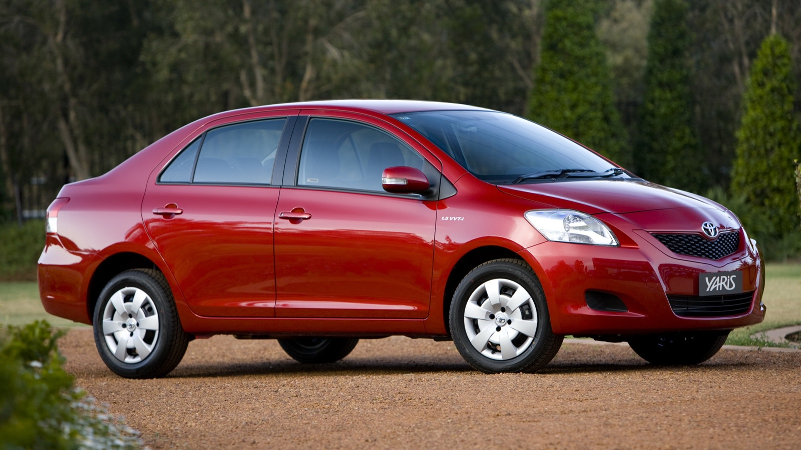toyota yaris articles