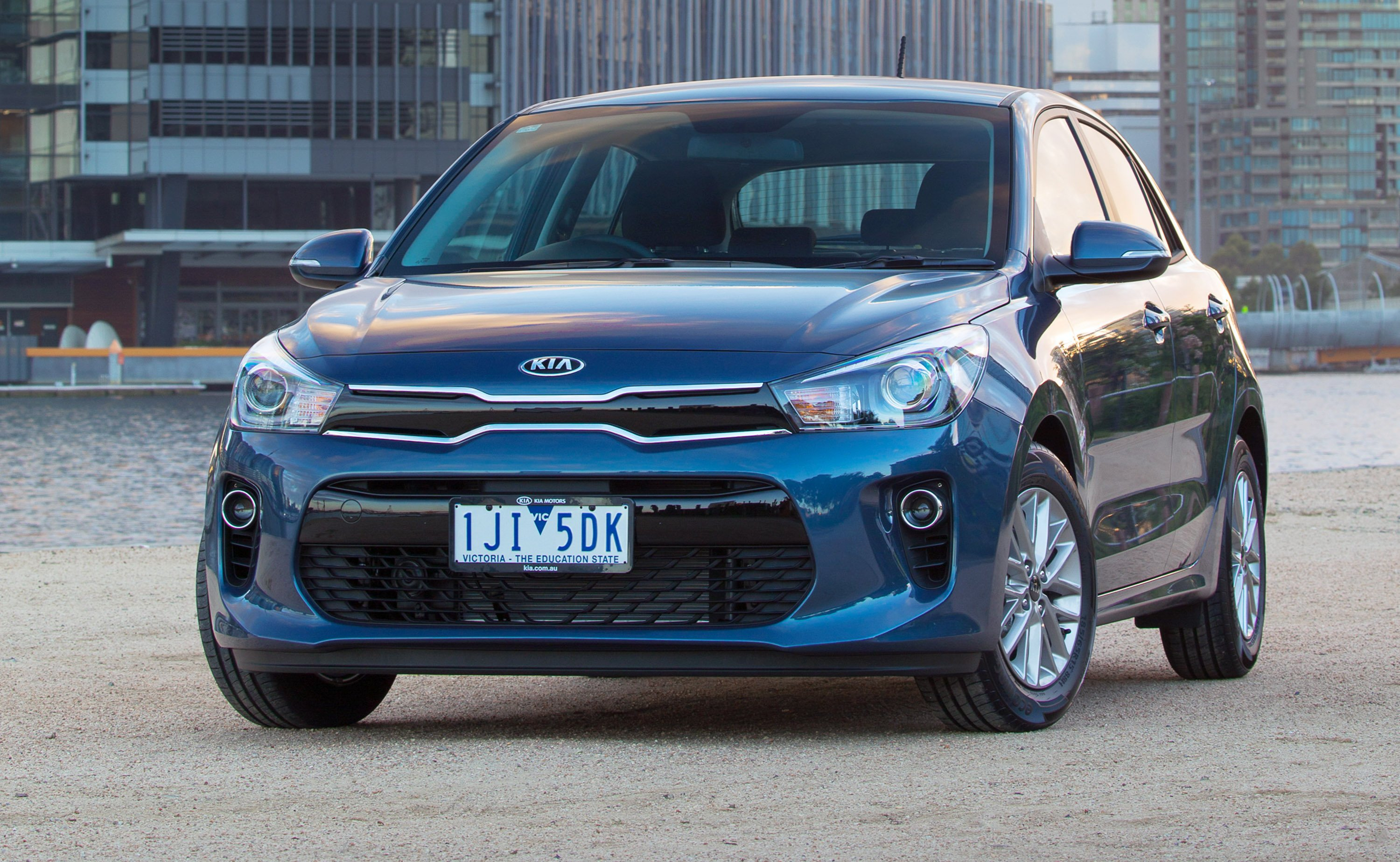 2017 Kia Rio pricing and specs - photos | CarAdvice