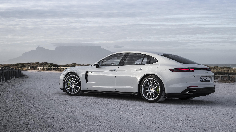 2017 Porsche Panamera 4 E-Hybrid review - photos | CarAdvice