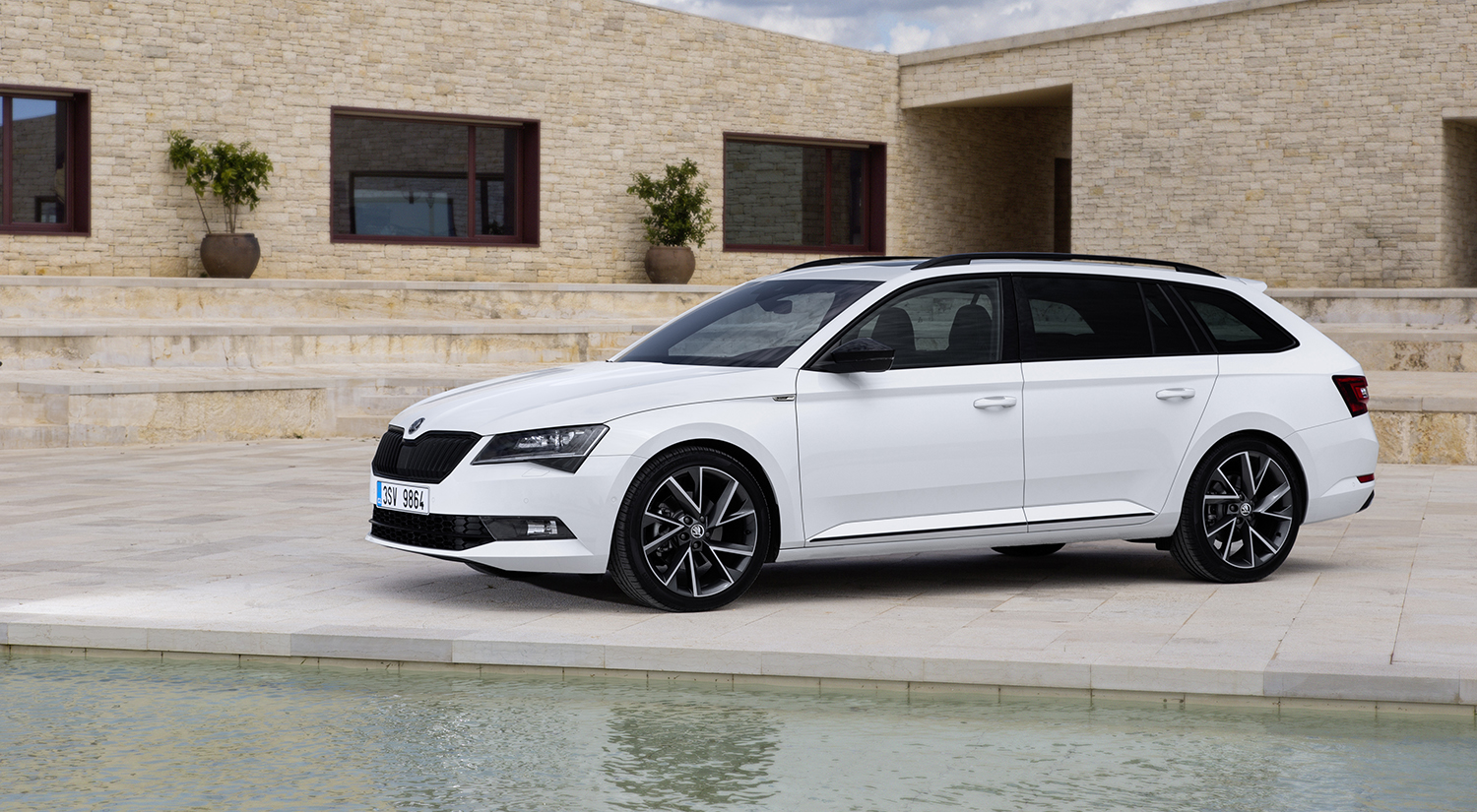 2017 Skoda Superb Sportline New Flagship Here In