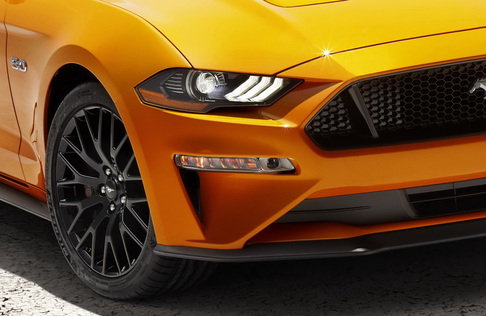 04 Mustang Gt >> 2018 Ford Mustang revealed with new face and more power - photos | CarAdvice
