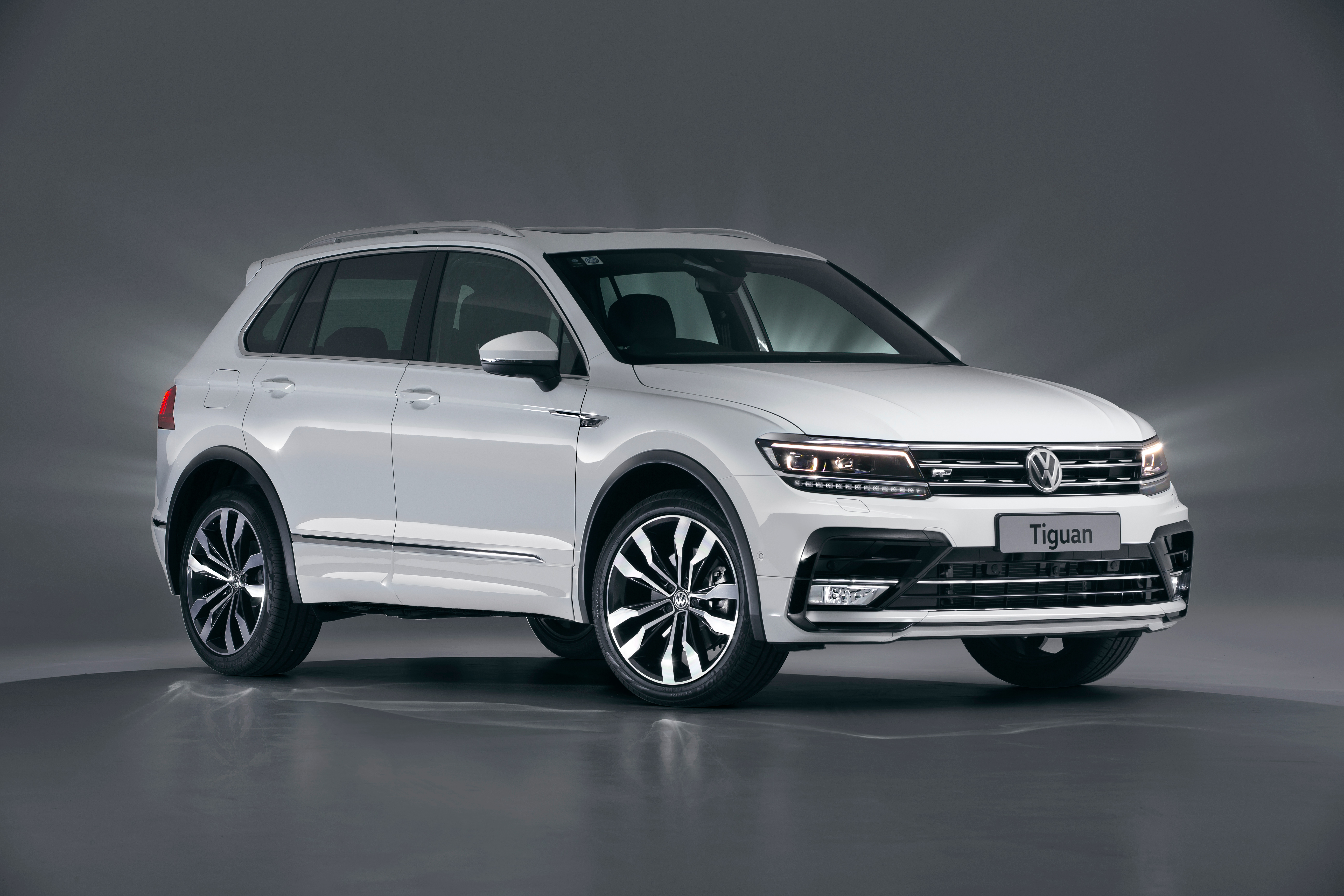 volkswagen tiguan 162tsi dominant sales expected for performance suv photos caradvice. Black Bedroom Furniture Sets. Home Design Ideas