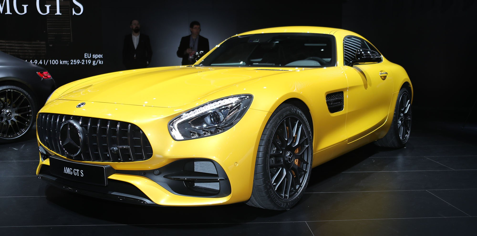2017 mercedes amg gt range updated gt c coupe added photos. Black Bedroom Furniture Sets. Home Design Ideas