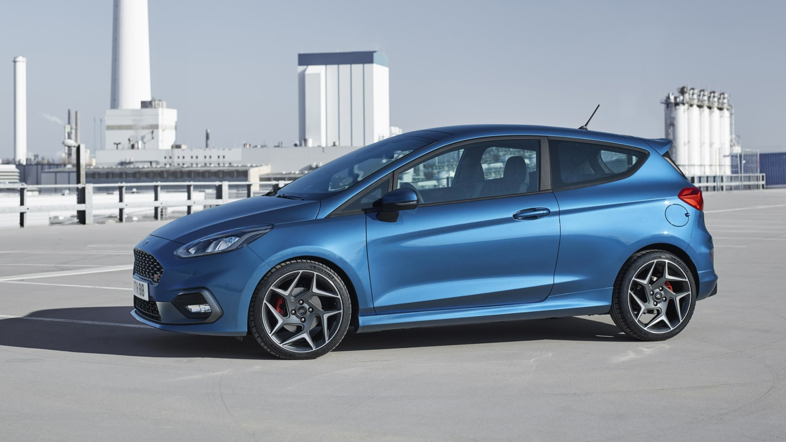 2017 ford fiesta st revealed with new three cylinder turbo engine photos 1 of 18. Black Bedroom Furniture Sets. Home Design Ideas
