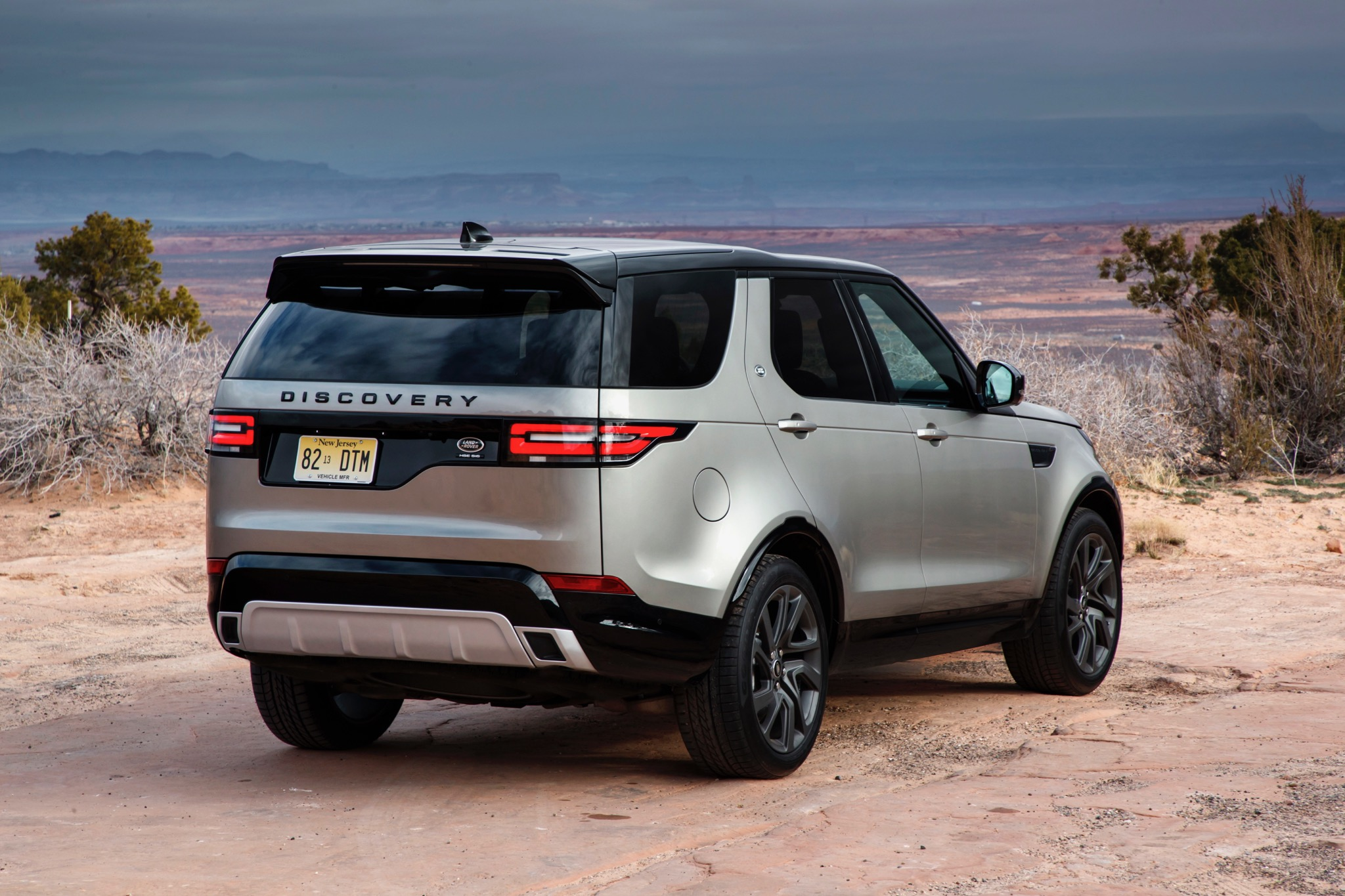 2017 Land Rover Discovery review - photos | CarAdvice
