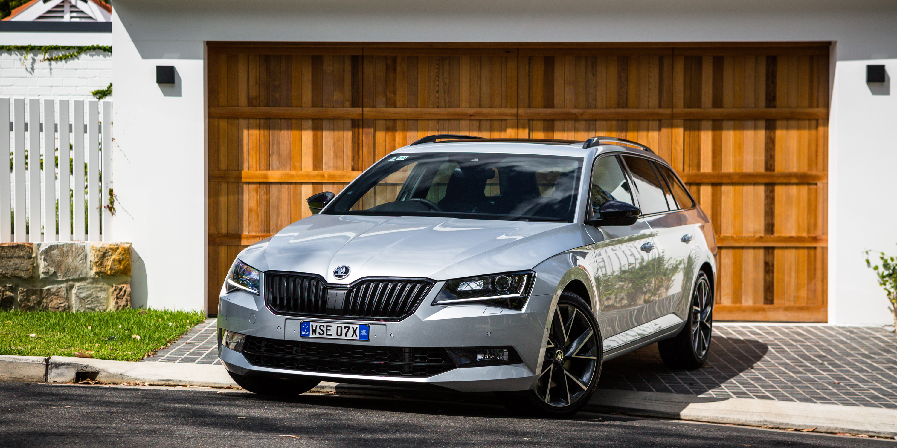 2017 Skoda Superb Sportline 206tsi Review Photos Caradvice
