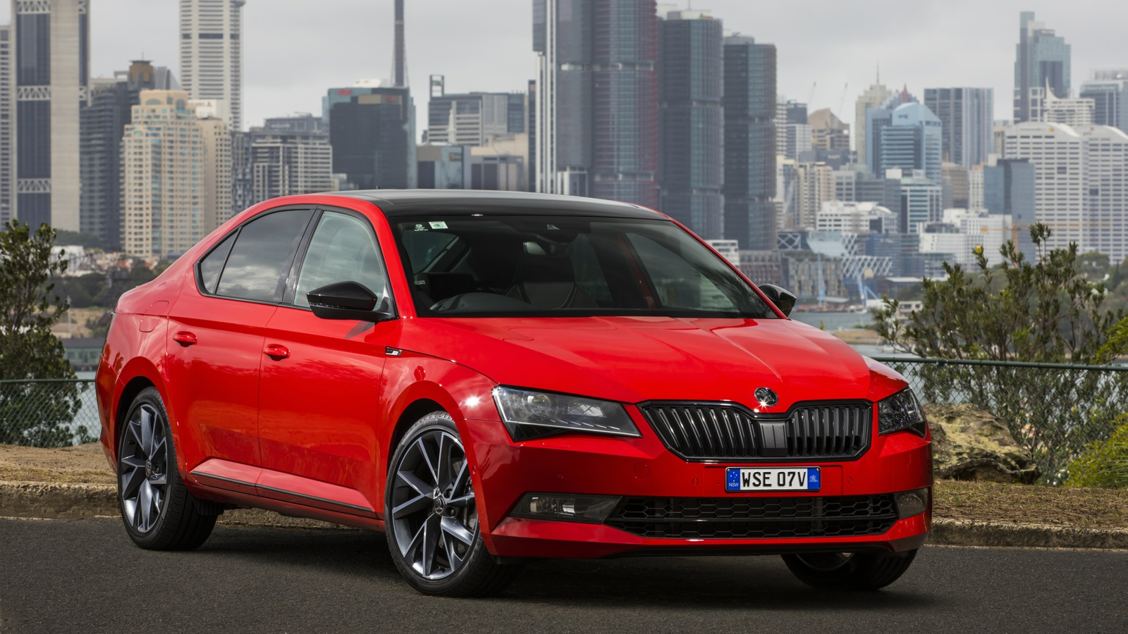 2017 skoda superb sportline pricing and specs   photos