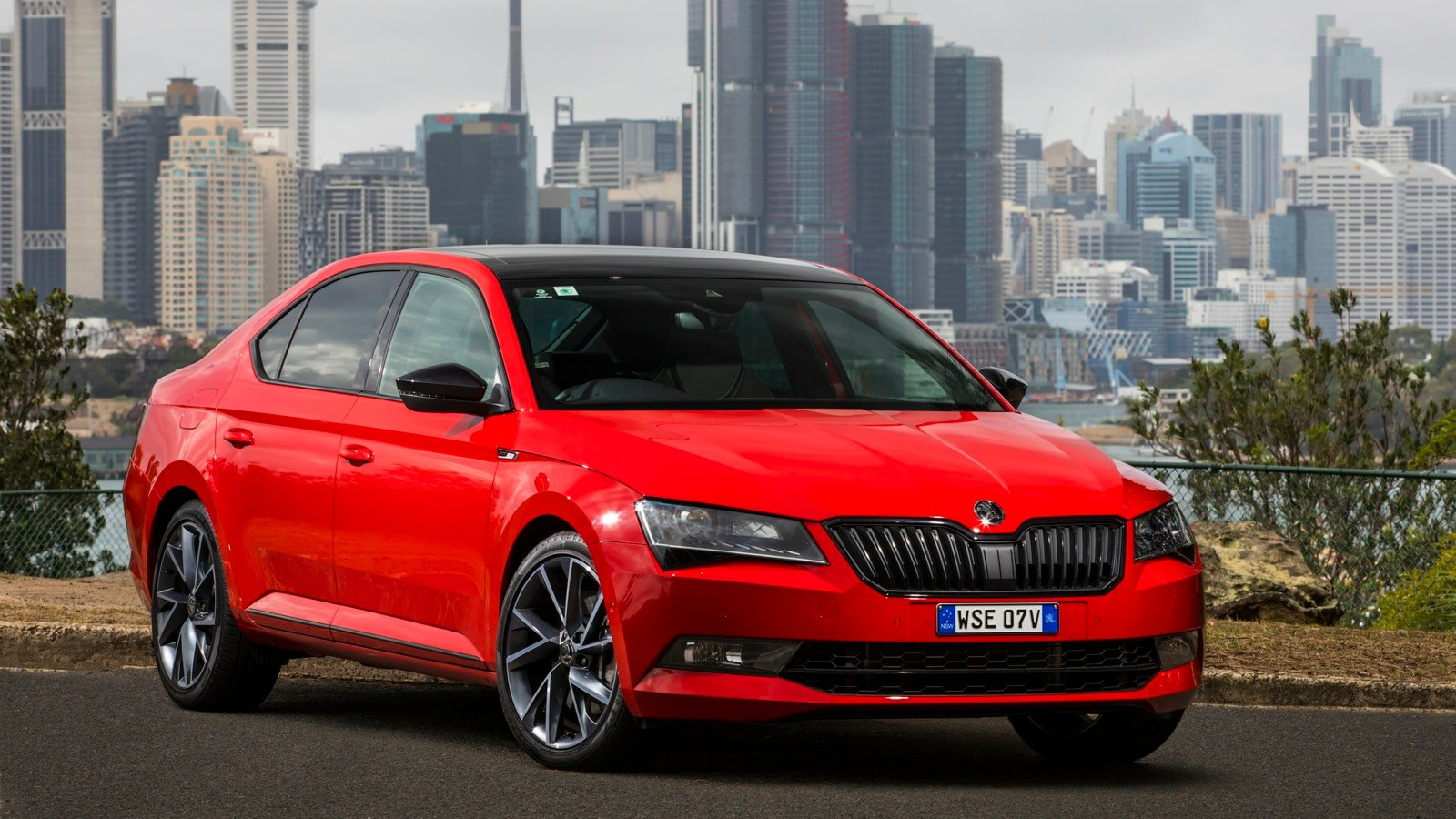 Skoda Superb Sportline 2018 >> 2017 Skoda Superb Sportline pricing and specs - photos | CarAdvice