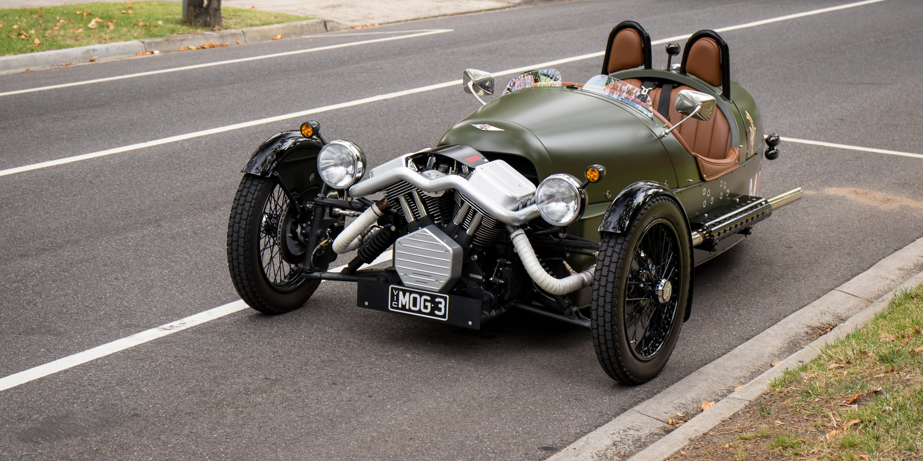morgan three wheeler perfect morgan ev piloted by fully charged in new video uc with morgan. Black Bedroom Furniture Sets. Home Design Ideas
