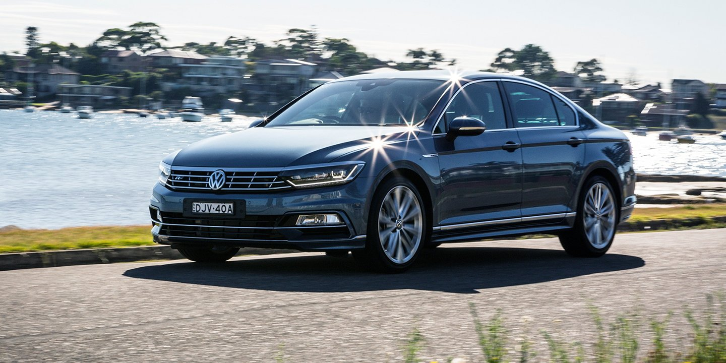 2017 volkswagen passat 206tsi r line review photos caradvice. Black Bedroom Furniture Sets. Home Design Ideas