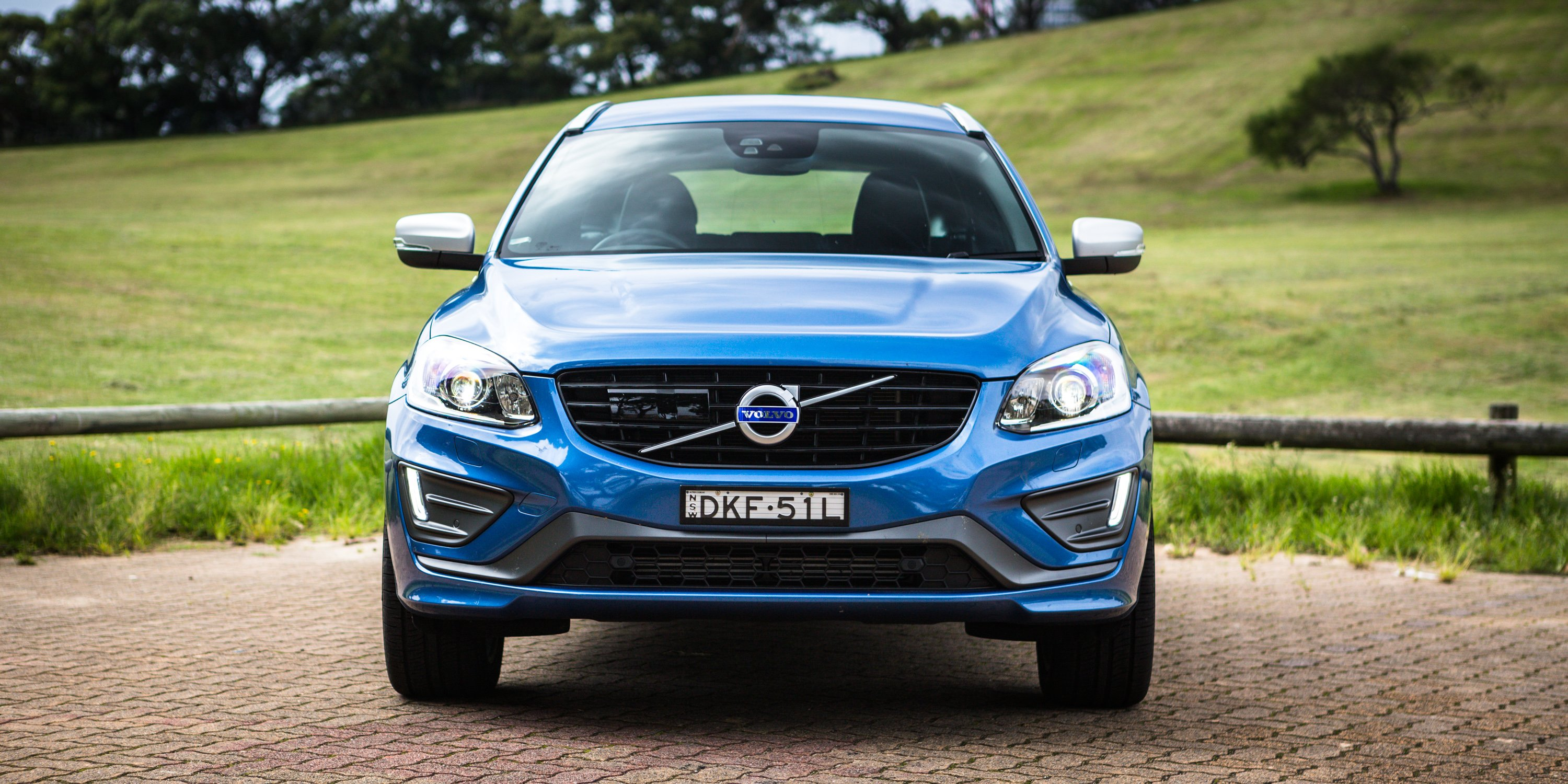 2017 Volvo XC60 T5 R-Design review - photos | CarAdvice