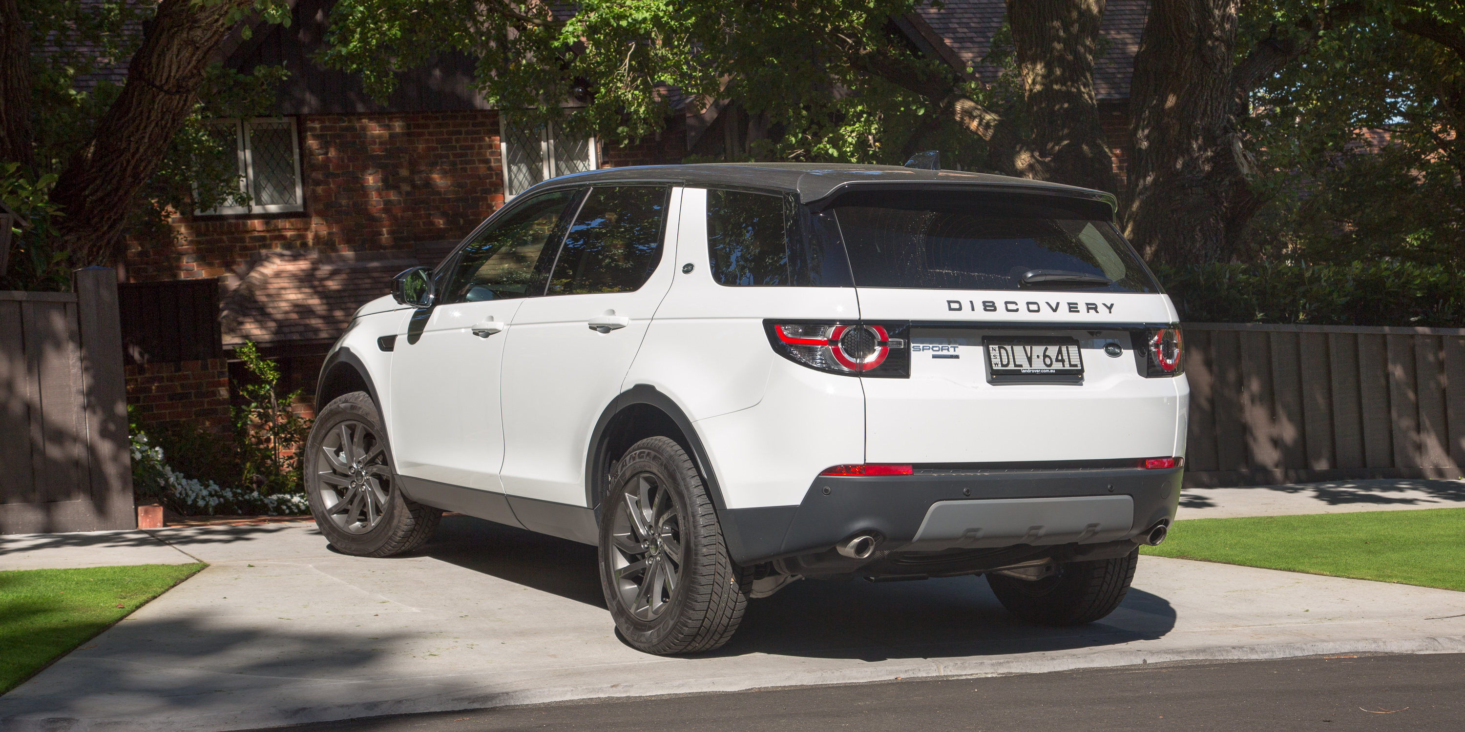 2017 land rover discovery sport se si4 review caradvice. Black Bedroom Furniture Sets. Home Design Ideas