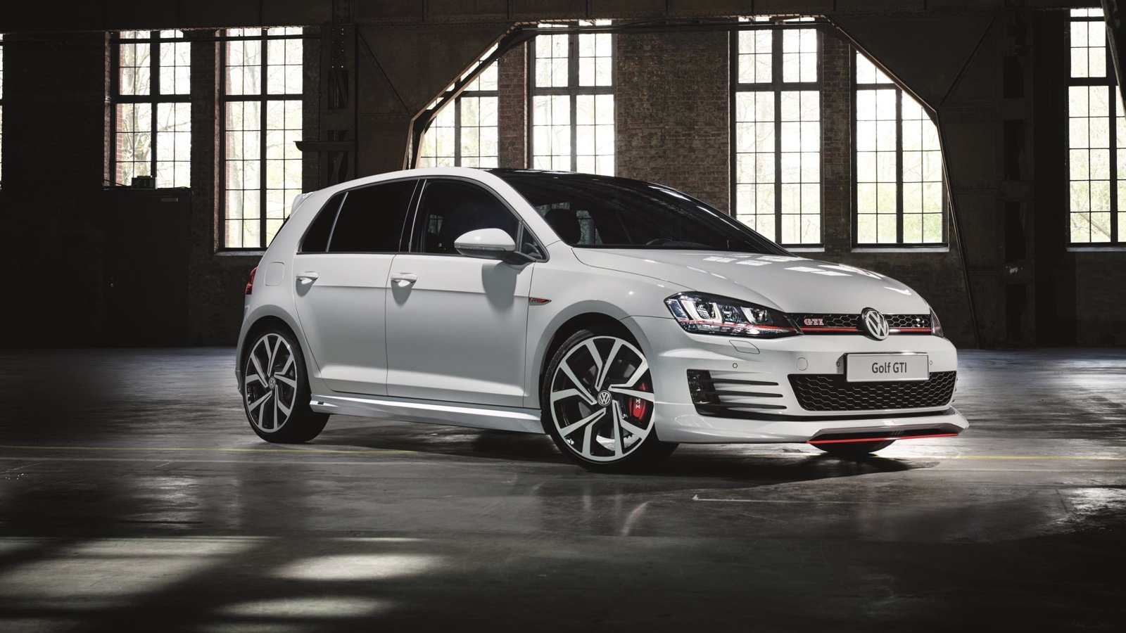 volkswagen golf gti and golf r to be offered with optional. Black Bedroom Furniture Sets. Home Design Ideas