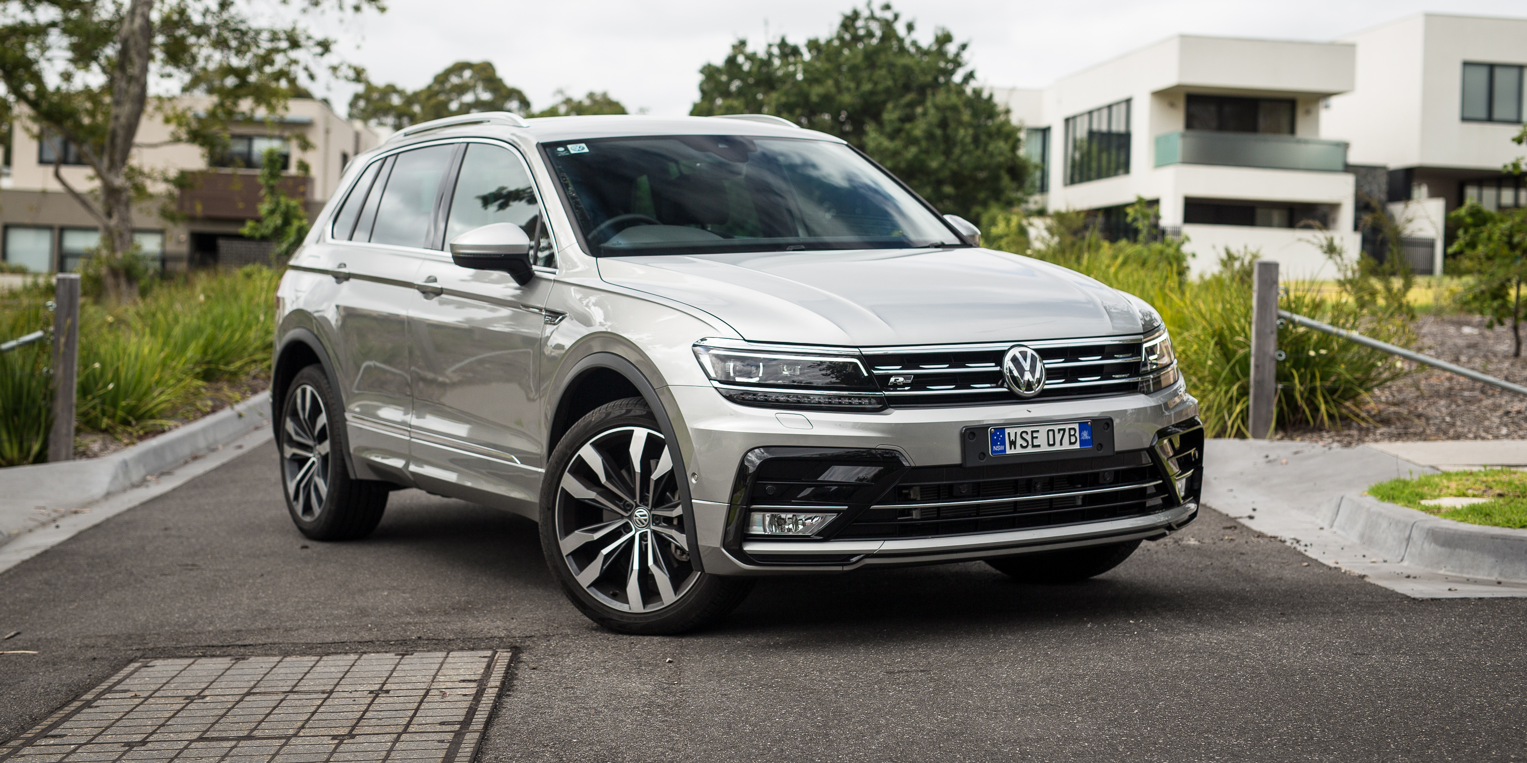 2017 Volkswagen Tiguan 162TSI R-Line review - photos ...