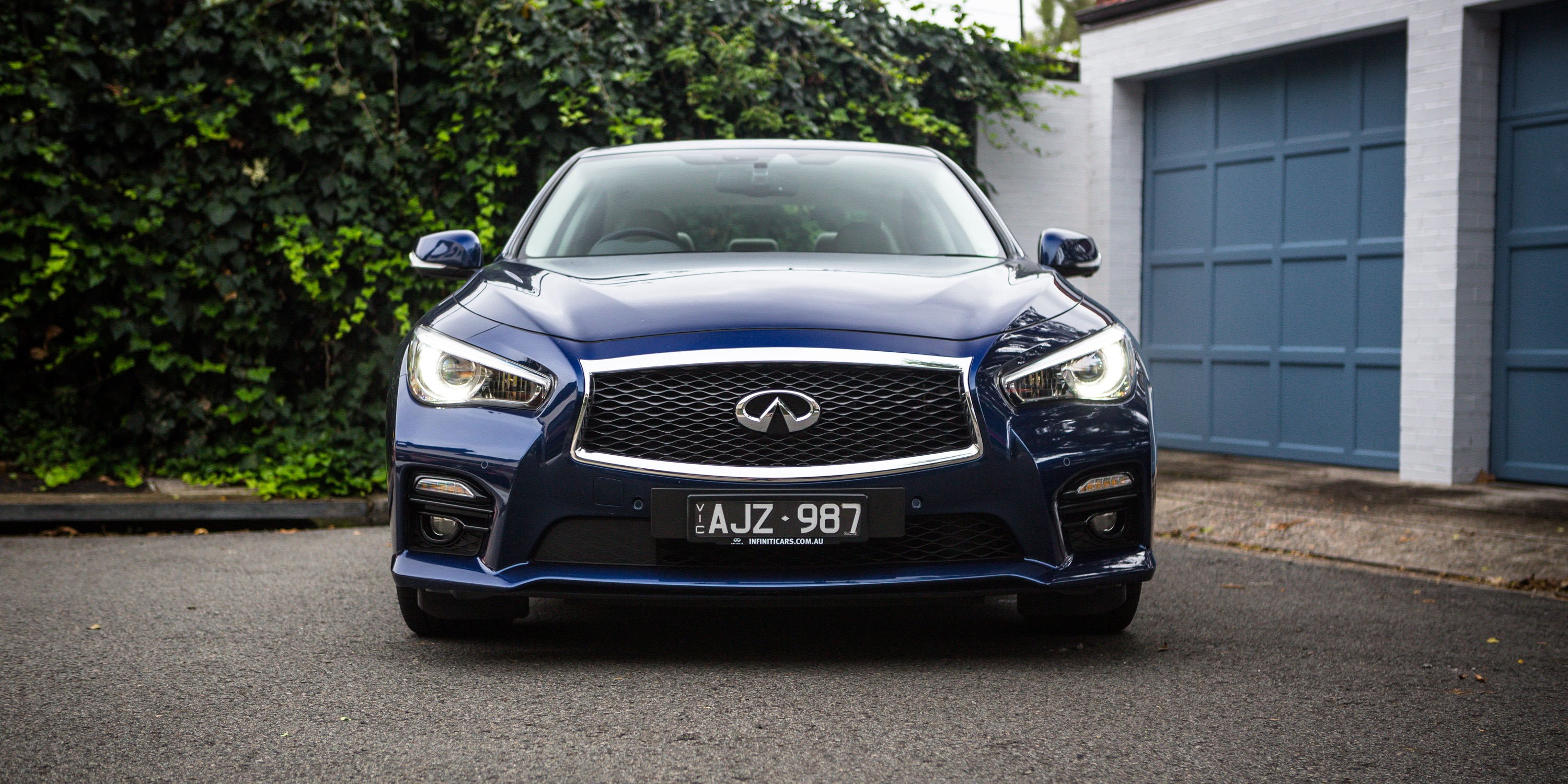 infiniti  red sport review  caradvice