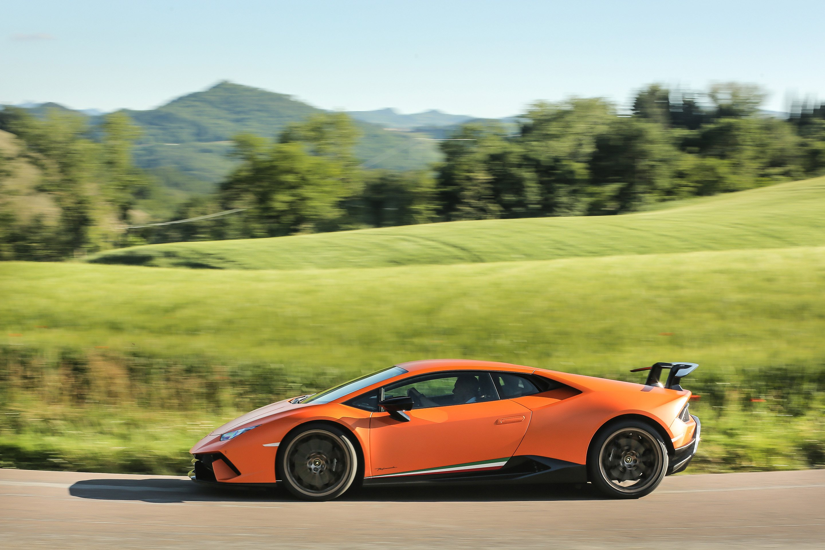 2017 Lamborghini Huracan Performante review | CarAdvice
