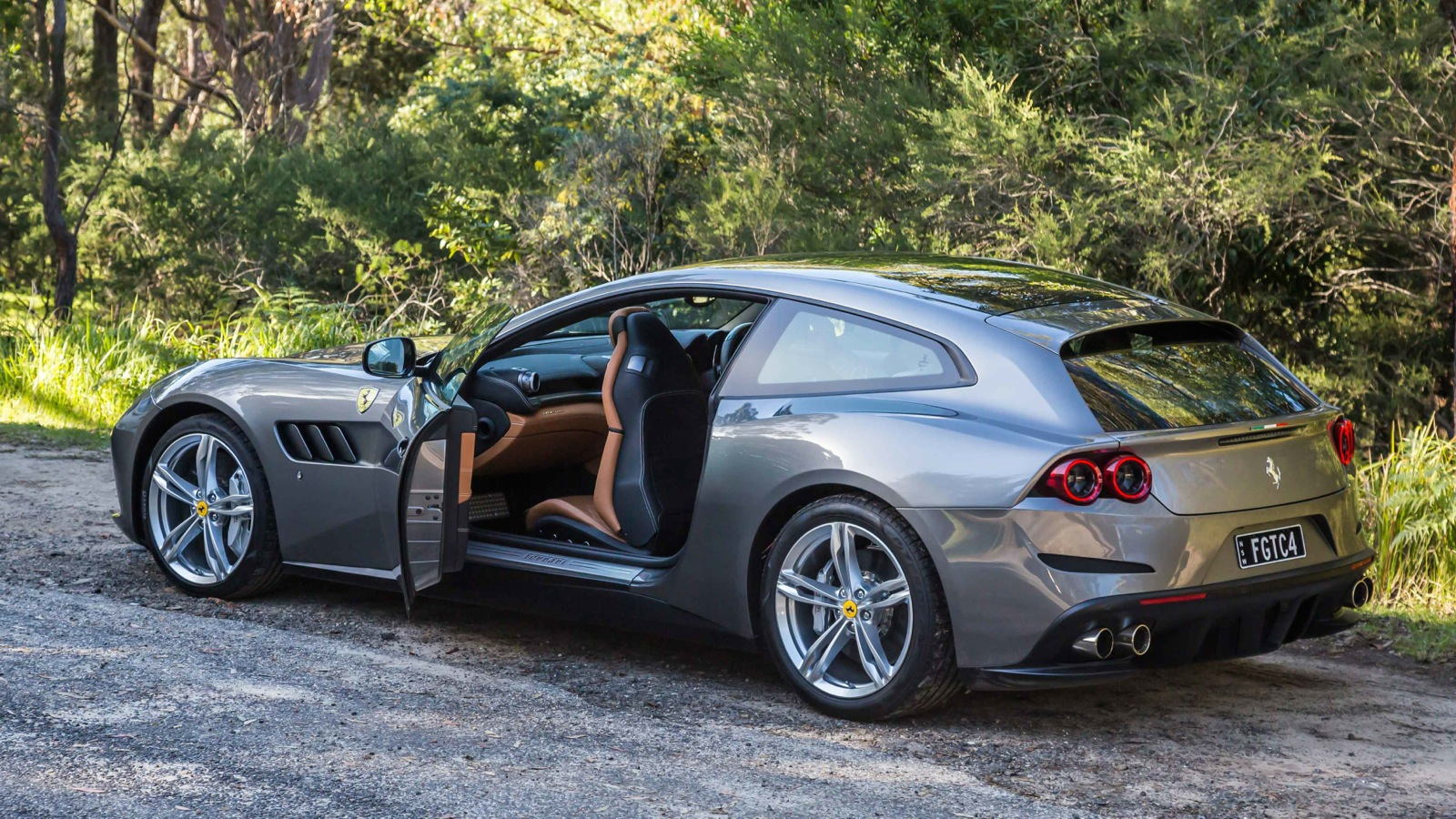 2017 ferrari gtc4 lusso review caradvice. Black Bedroom Furniture Sets. Home Design Ideas