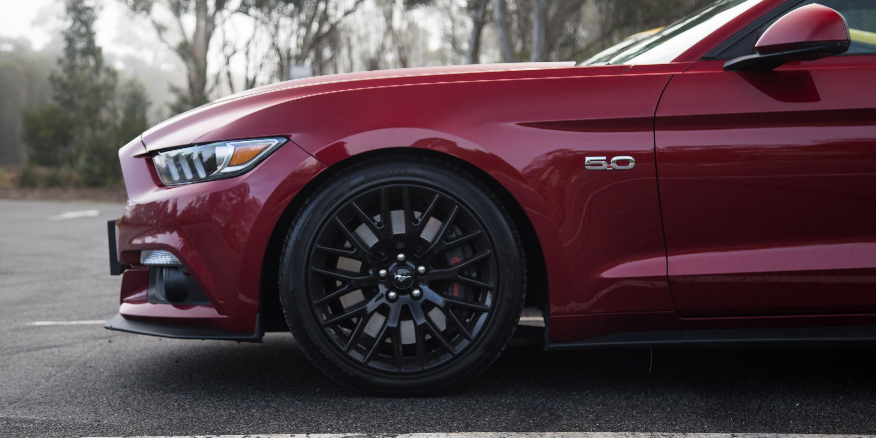 Ford Mustang GT Fastback v Ford Mustang GT Performance ...