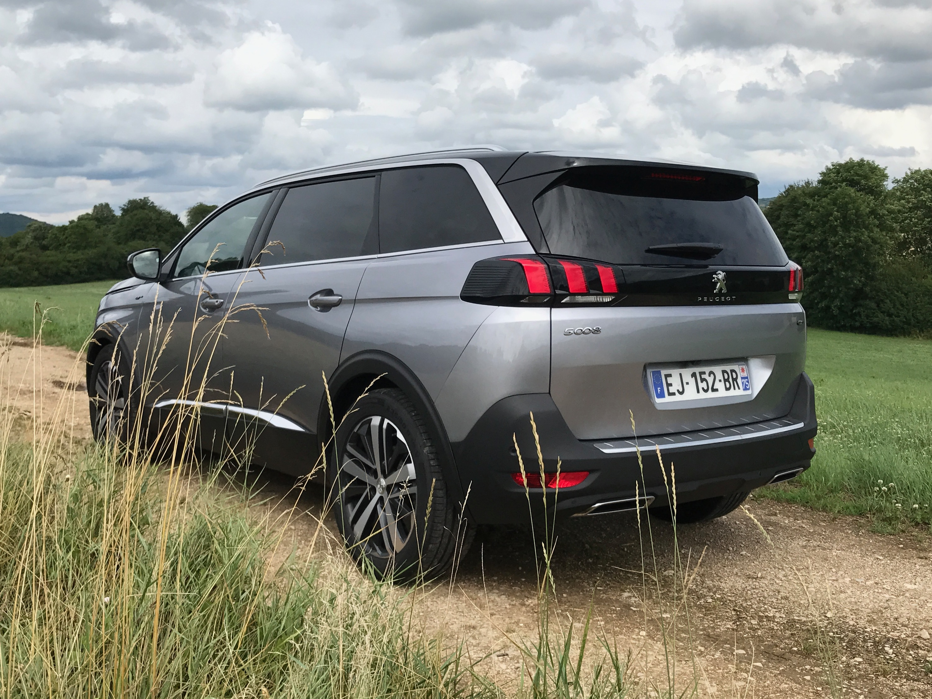 Peugeot Convertibles 2017 >> 2018 Peugeot 5008 review - photos | CarAdvice