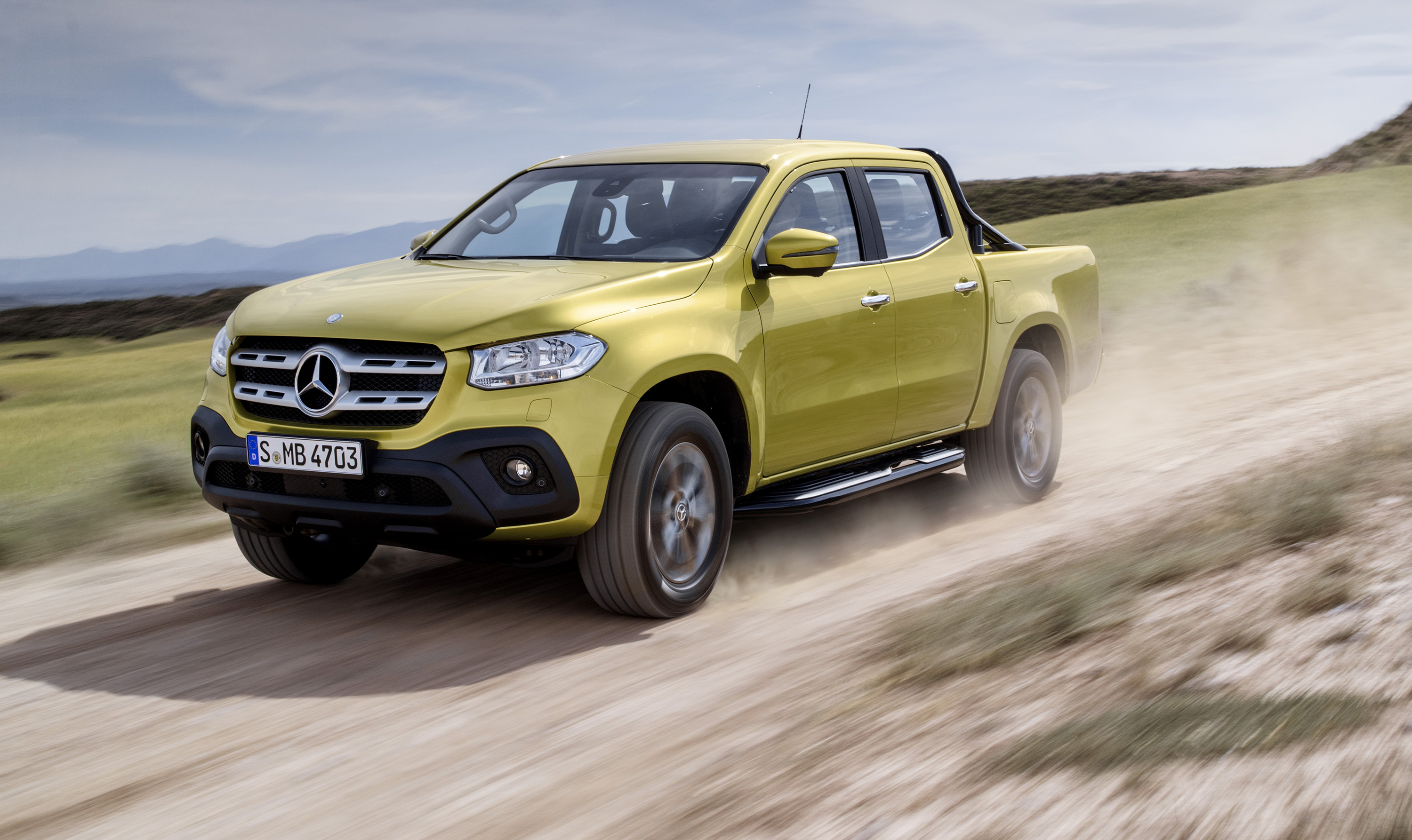 2018 mercedes benz x class revealed photos 1 of 57 for Mercedes benz gallery