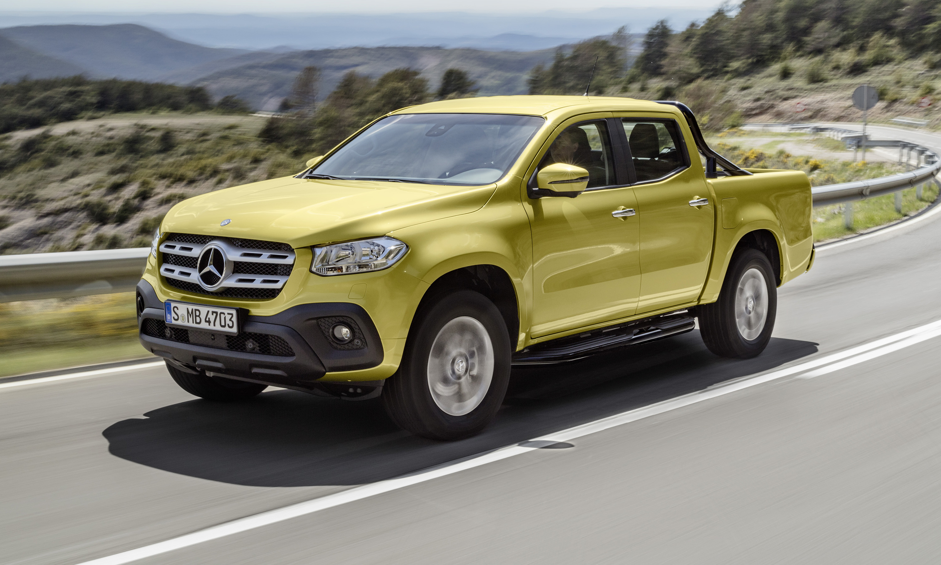 2018 mercedes benz x class ride along review photos for Mercedes benz com br