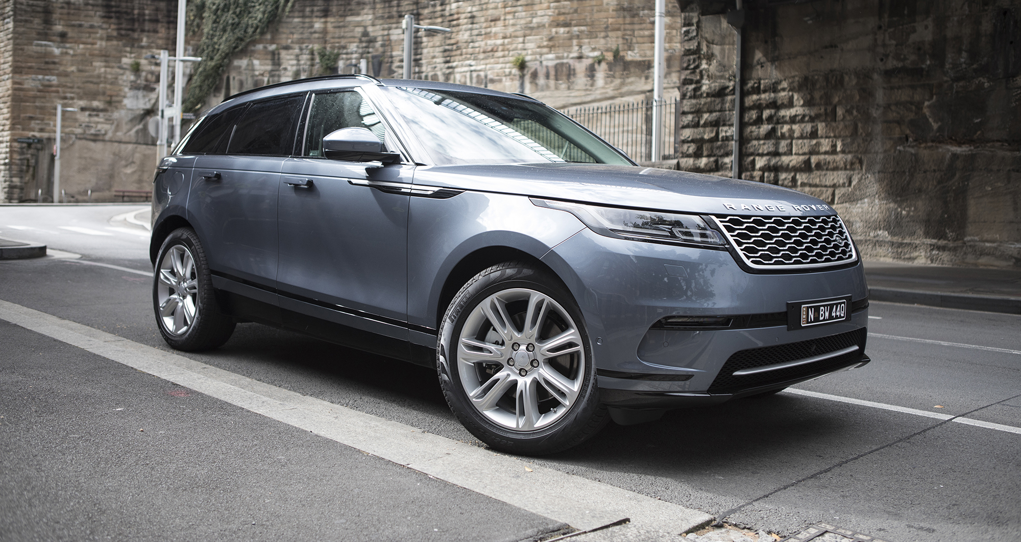2018 range rover velar se d240 diesel review photos caradvice. Black Bedroom Furniture Sets. Home Design Ideas