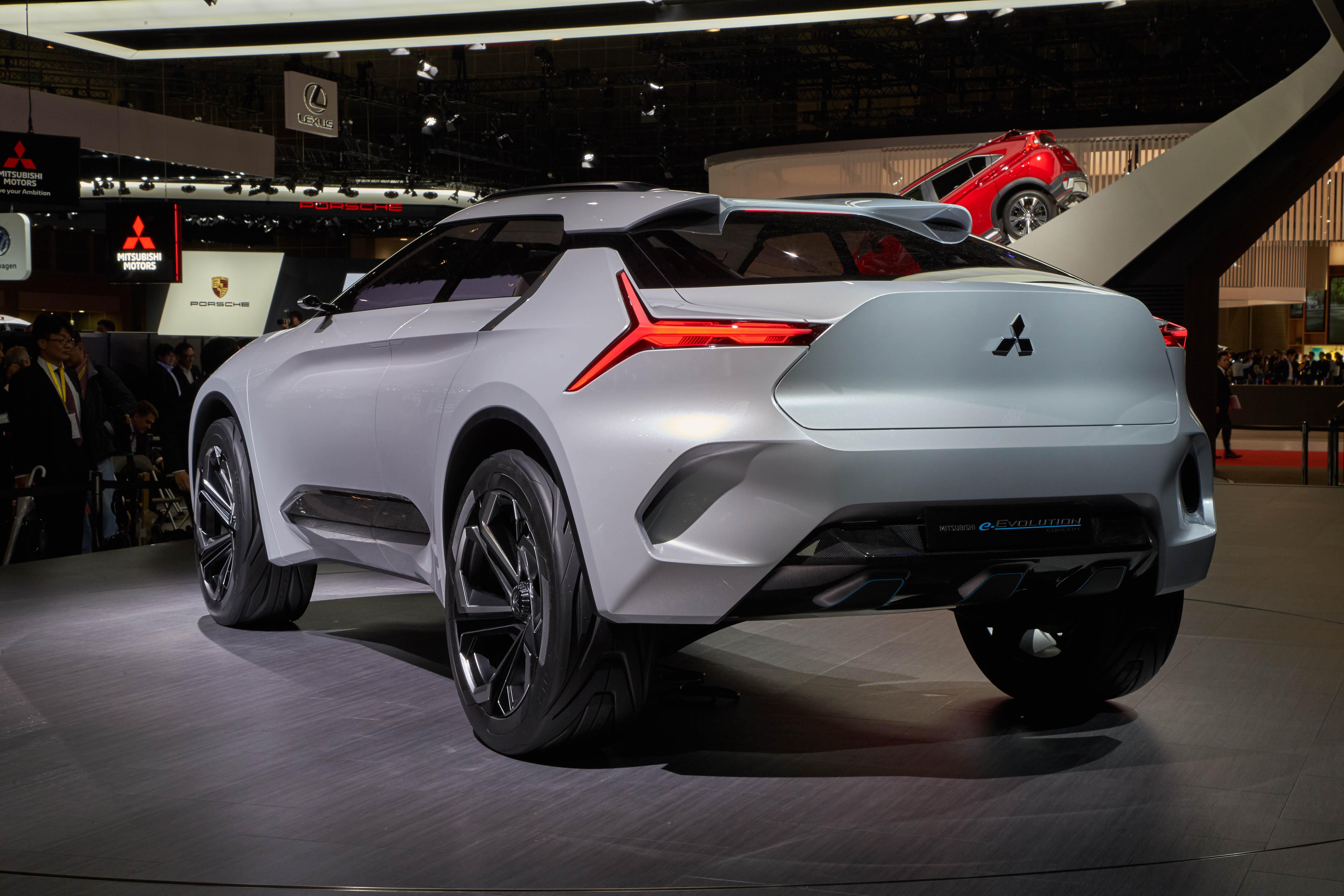 Mitsubishi e-Evolution concept revealed in Tokyo - photos ...
