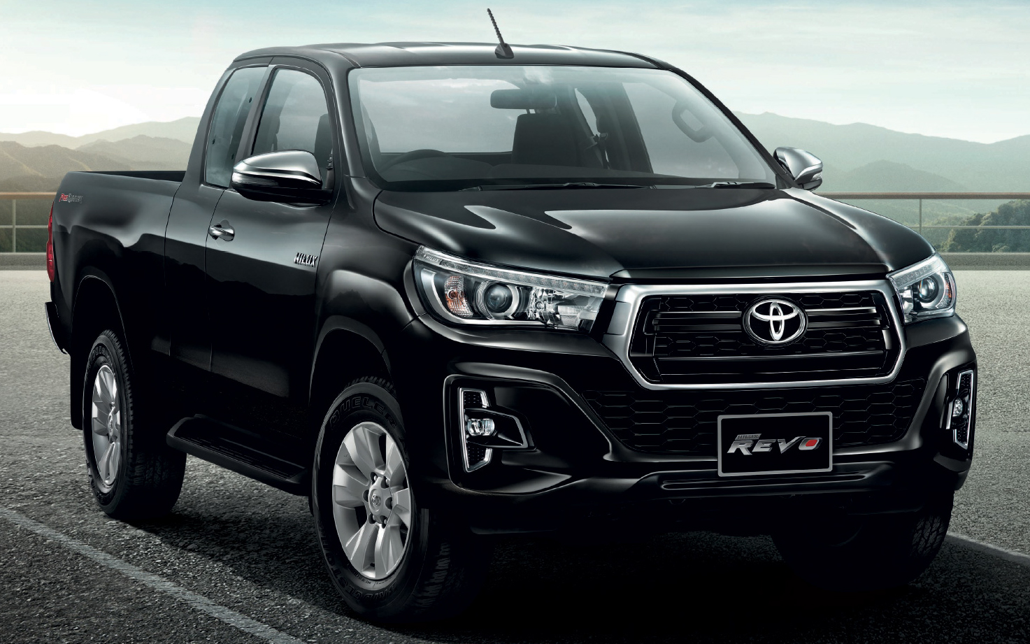 2018 toyota hilux gets a beastly make over photos. Black Bedroom Furniture Sets. Home Design Ideas