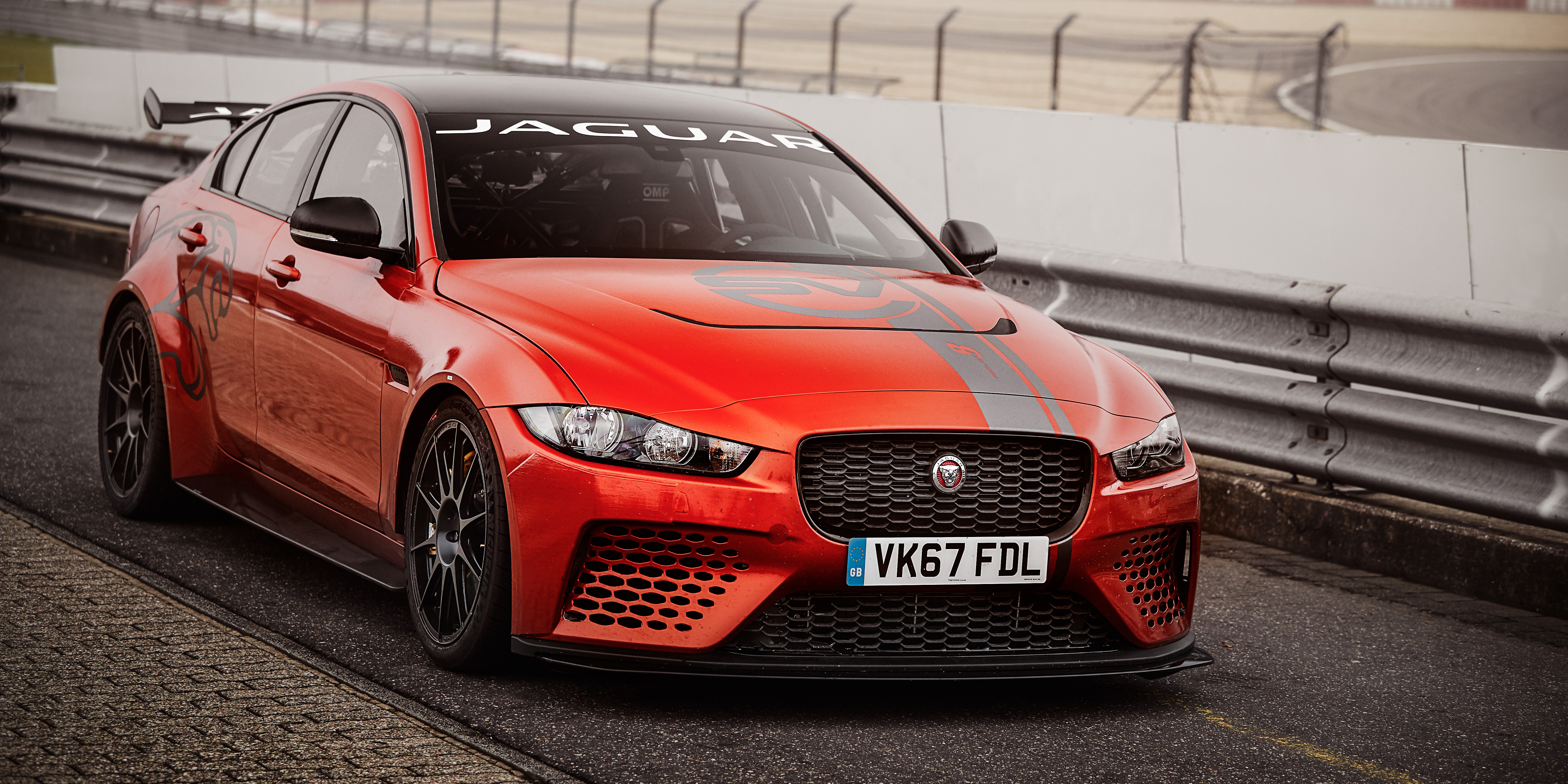 jaguar xe sv project 8 sets new nurburgring record photos. Black Bedroom Furniture Sets. Home Design Ideas