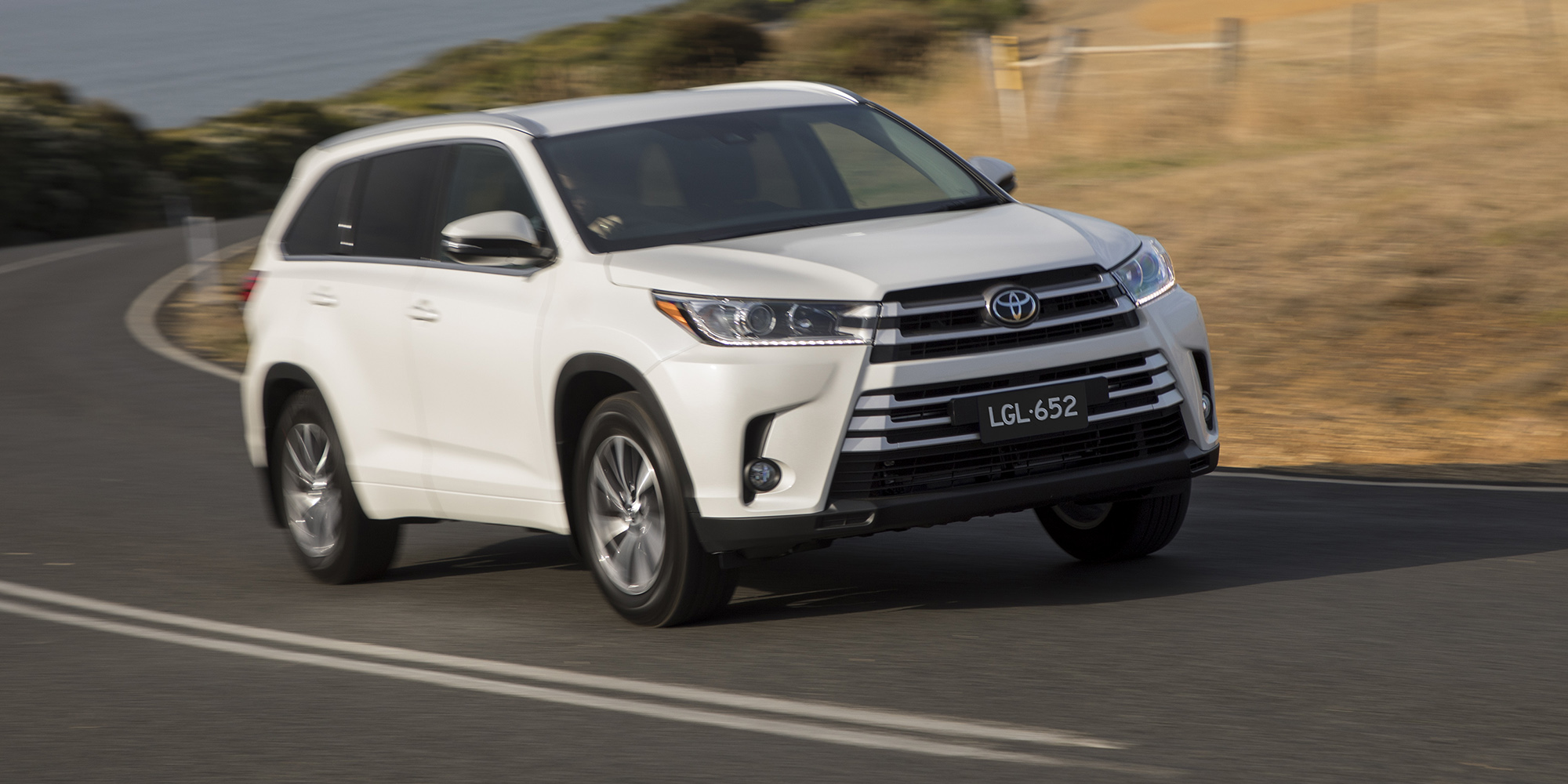 2018 Toyota Kluger pricing and specs - Photos