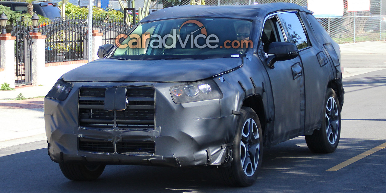 2019 Toyota RAV4 snapped in sunny California - Photos