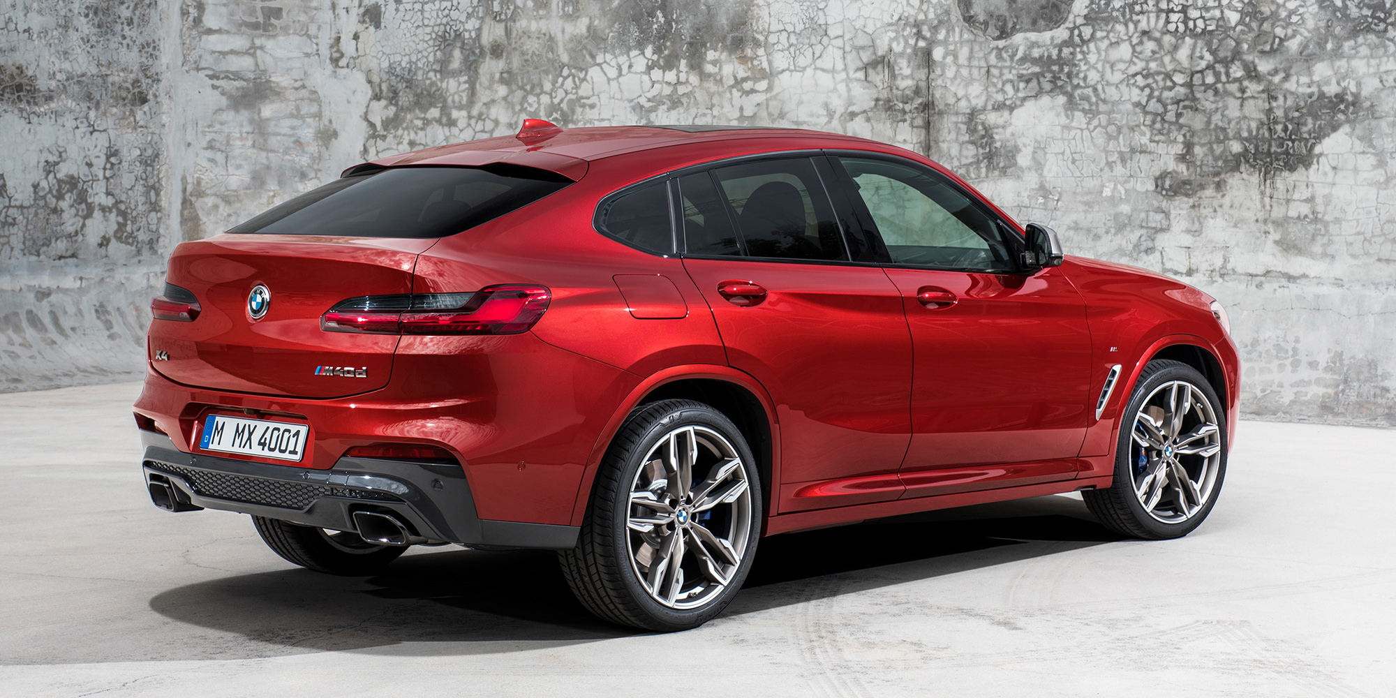 2019 bmw x4 revealed here in q3 photos. Black Bedroom Furniture Sets. Home Design Ideas